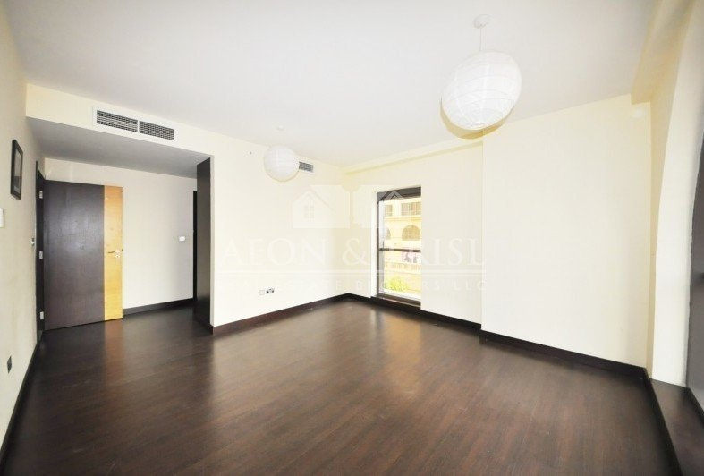 Rare!!! The Largest 4br Duplex In Jbr !!