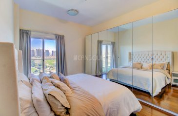 One Bedroom, Two Bathroom, Apartment For Sale in Golf View, Dubai Sports City (DSC), Dubai - Higher Floor |1 Bedroom | Golf Course Views