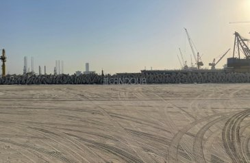 Commercial Plot For Sale in Pearl Jumeirah, Dubai - LAND FOR SELL | GOOD DEAL | JUMEIRAH FIRST