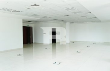 1,068 Sq Ft, Office To Rent in Umm Suqeim, Dubai - Fitted|Prime location| Sheikh Zayed Road