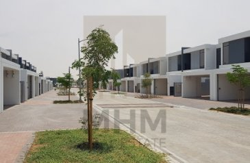 Three Bedroom, Four Bathroom, Townhouse For Sale in Casa Flores, Uptown Motor City (UMC), Dubai - Rented|3BR + Maid |Greenery View| Investors Deal