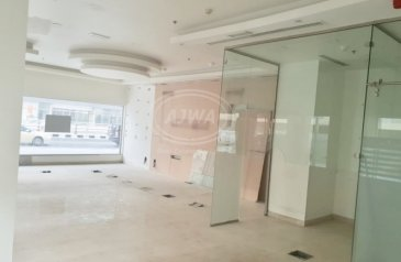 Ready to Move in Good Condition, 1,634 Sq Ft, Retail Space To Rent in Marina Diamond 2, Dubai Marina, Dubai - For Rent - Retail Facing Road near JBR