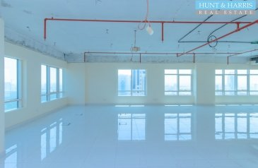 1,163 Sq Ft, Office To Rent in Al Nakheel, Ras al Khaimah - Beautifully Fitted Office - 2 Months Free