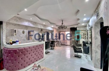 Ready to Move in Good Condition, 1,200 Sq Ft, Retail Space To Rent in Al Safa Tower, Sheikh Zayed Road (SZR), Dubai - LADIES SALON| VACANT | FULLY FITTED | CHILLER FREE
