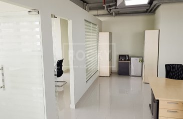 1,487 Sq Ft, Office For Sale in IT Plaza, Dubai Silicon Oasis (DSO), Dubai - Fitted Office for Investment   High ROI