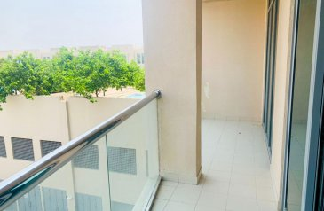 One Bedroom, Two Bathroom, Apartment To Rent in Golf Towers, The Views, Dubai - Luxurious   Huge apartment   Golf Club