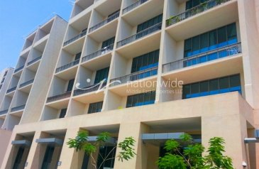 One Bedroom, Two Bathroom, Apartment For Sale in Al Raha Beach, Abu Dhabi - A Modernly Designed Apartment With Pool View