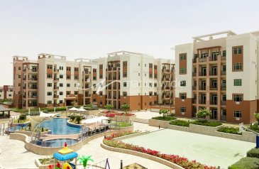 One Bedroom, Two Bathroom, Apartment To Rent in Al Khaleej Village, Al Ghadeer, Abu Dhabi - Well Maintained Unit Full Of Lifestyle Advantages