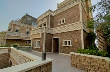 Four Bedroom, Six Bathroom, Villa For Sale in Balqis Residence, The Palm Jumeirah, Dubai - New Listing   Full Sea View   4BR Private Elevator