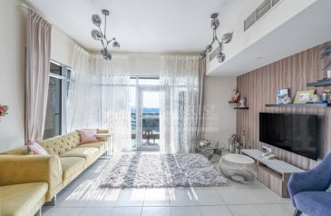 Two Bedroom, Three Bathroom, Apartment For Sale in Executive Towers, Business Bay, Dubai - Spacious Layout   Vacant Soon   Open View