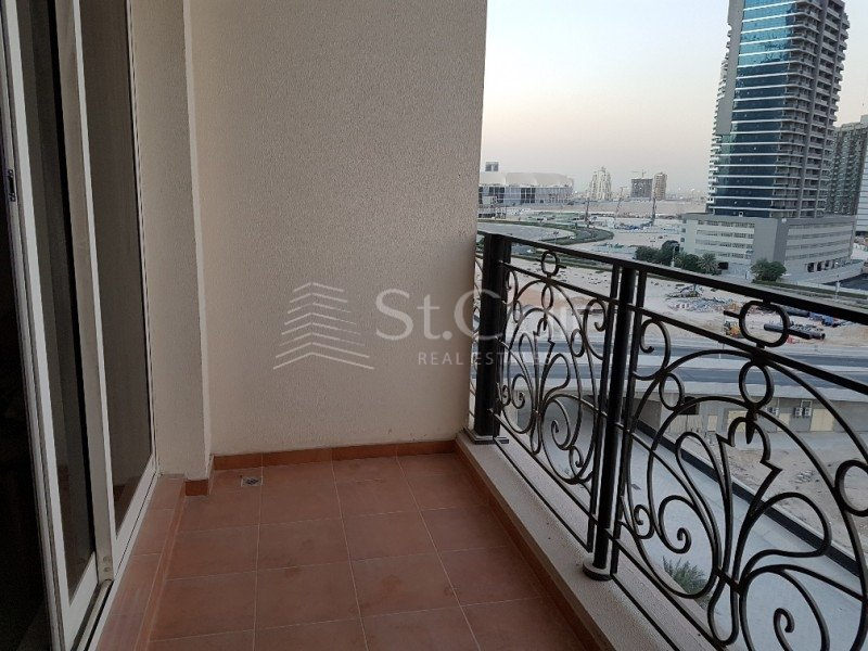 St r 15169 one bedroom two bathroom apartment to rent in canal residence west dubai sports for 1 bedroom flat to rent in bath