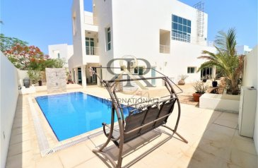 Six Bedroom, Six Bathroom, Villa For Sale in Al Sufouh, Dubai - Independent 6 Bedrooms with private elevator/pool