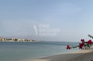 Five Bedroom, Six Bathroom, Villa For Sale in Garden Homes, The Palm Jumeirah, Dubai - Great position / High Number / Vacant on Transfer