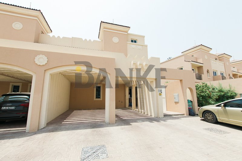 Upmarket 3br Townhouse + Study + Maid's With Balcony