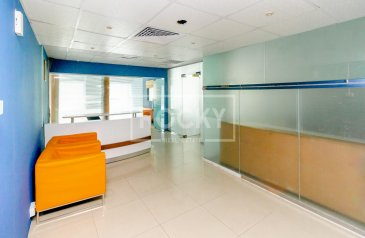 1,582 Sq Ft, Office To Rent in Al Shafar Tower, Business Bay, Dubai - Close to Metro|2Parking|5Glass Partition
