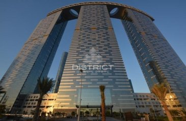 Three Bedroom, Four Bathroom, Apartment To Rent in The Gate Tower 3, Al Reem Island, Abu Dhabi - Large 3+Maid I High Floor I Sea & City View