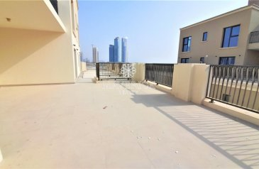 Three Bedroom, Four Bathroom, Apartment To Rent in Al Khan, Sharjah - Exclusive Brand New 3BHK+Maids/R   Private Terrace