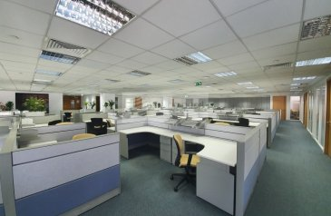7,408 Sq Ft, Office To Rent in Airport Road, Al Garhoud, Dubai - Furnished Office |Vacant |Free A/C and Maintenance