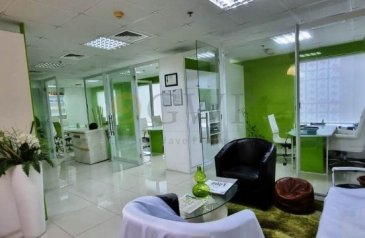 1,089 Sq Ft, Office To Rent in Sobha Ivory 1, Business Bay, Dubai - Fully Furnished Chiller free Bright 1088.98 SqFt