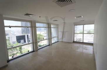 7,500 Sq Ft, Half Floor To Rent in Arch Tower, Jumeirah Lakes Towers - JLT, Dubai - Half Floor | Brand New | Park View