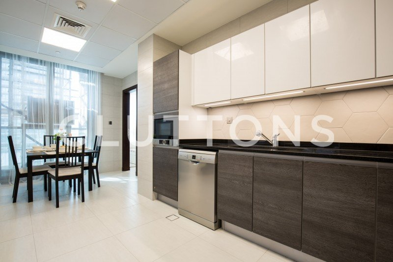 Large 1 Br In Bahwan Tower - Q2 2018 Completion
