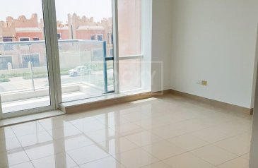 One Bedroom, Two Bathroom, Apartment For Sale in Golf, Dubai Sports City (DSC), Dubai - 1-Bed | Road View | Sports City