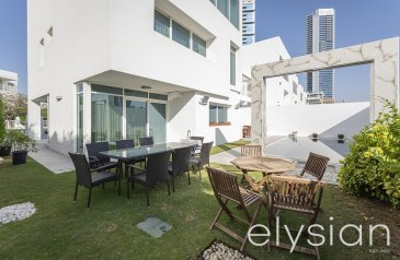 Four Bedroom, Five Bathroom, Townhouse For Sale in Al Sufouh 1, Dubai - Prime Location | Townhouse with Pool | Freehold