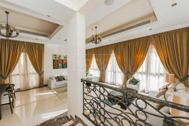 5bed Villa Orange Lake Jumeirah Golf Estate