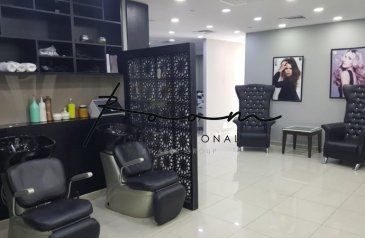 Ready to Move in Good Condition, 1,707 Sq Ft, Retail Space To Rent in Arch Tower, Jumeirah Lakes Towers - JLT, Dubai - Salon   Fitted   Available Immediately