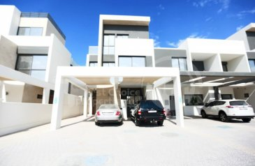 Five Bedroom, Six Bathroom, Apartment For Sale in Faya At Bloom Gardens, Salaam Street, Abu Dhabi - Negotiable|Waiting for You to Make it Home