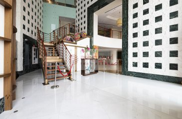 Ready to Move in Good Condition, 4,857 Sq Ft, Retail Space To Rent in Ascott Park Place, Sheikh Zayed Road (SZR), Dubai - Restaurant / Cafe |Retail Space Prime Location SZR