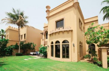 Four Bedroom, Six Bathroom, Villa For Sale in Canal Cove, The Palm Jumeirah, Dubai - Exclusive | Vacant | Inside the Gate, Canal cove