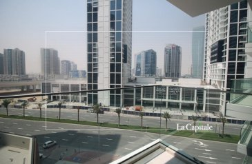 Studio, One Bathroom, Apartment To Rent in Marquise Square, Business Bay, Dubai - Exclusive Property | Semi-Furnished | Call Now