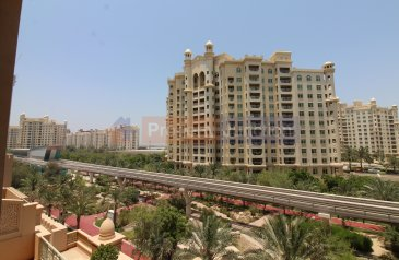 Two Bedroom, Three Bathroom, Apartment For Sale in Golden Mile 8, The Palm Jumeirah, Dubai - Garden View! Mid Floor! Best Deal! Vacant Soon!