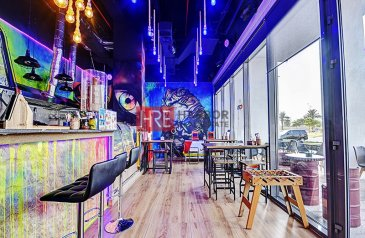 Existing 649 Sq Ft, Retail Space For Sale in Wasl Port Views, Al Mina, Dubai - Ready Juice Bar | Wasl Port Views | Furnished