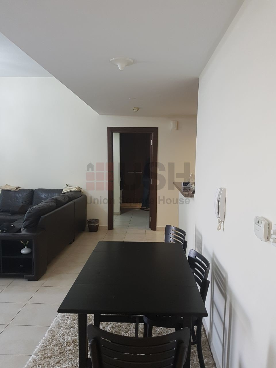 Pa Et 1b One Bedroom Two Bathroom Apartment To Rent In Executive Towers Business Bay Dubai