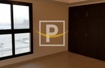 Studio, One Bathroom, Apartment For Sale in Riah Towers, Culture Village, Al Jaddaf, Dubai - Huge Studio flat with 2 Parking's and balcony for sale