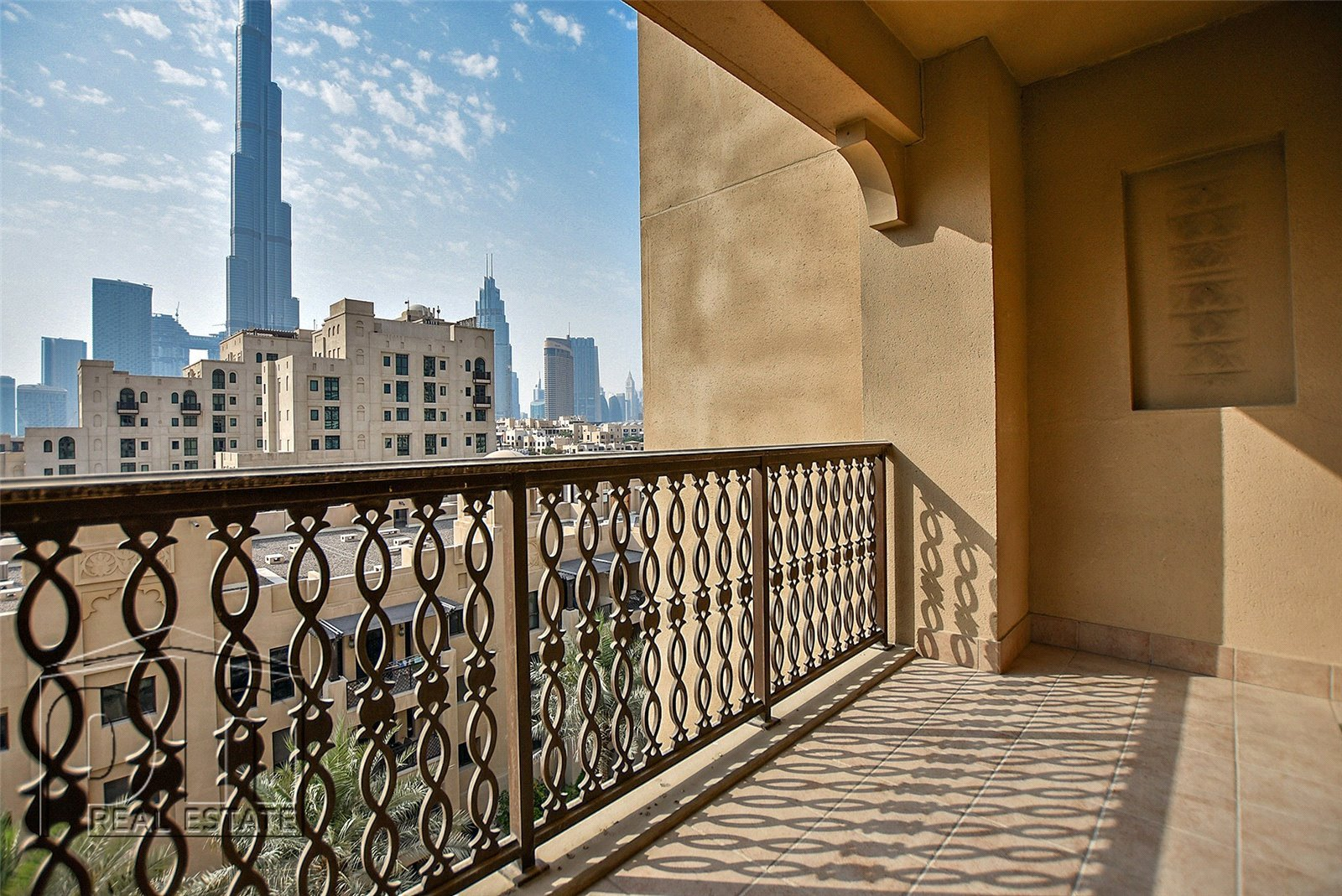 2 Bed + Study  Vacant Now  Burj V