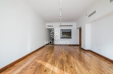 Two Bedroom, Three Bathroom, Apartment To Rent in Golden Mile 7, The Palm Jumeirah, Dubai - Very Spacious | Next to Mall | Community View