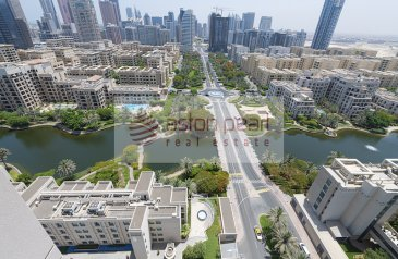 One Bedroom, One Bathroom, Apartment For Sale in Golf Tower 3, The Views, Dubai - Stunning Canal View   1 Bedroom Apt.  Large Layout