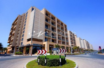 Four Bedroom, Four Bathroom, Apartment For Sale in Al Zeina Residential Tower A, Al Raha Beach, Abu Dhabi - Live In This Elegant Unit With Full Sea Views