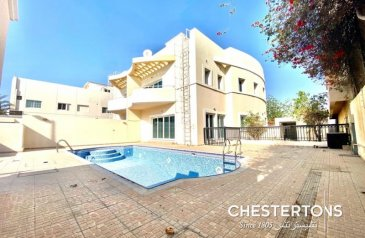 Four Bedroom, Five Bathroom, Commercial Villa To Rent in Jumeirah 1, Dubai - Commercial Villa with Private Pool   Prime Location