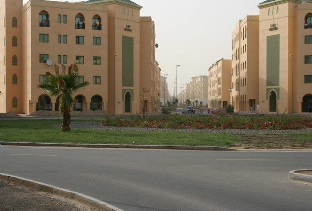 Excellent Fitted Shop With Attached 2 Ac For Rent In Morocco Cluster International City