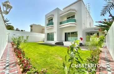 Five Bedroom, Five Bathroom, Villa To Rent in Jumeirah 3, Dubai - Fully Renovated and Upgraded 5 BR|Bright|Spacious Semi Detached