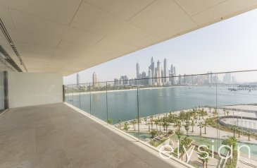 Three Bedroom, Four Bathroom, Apartment For Sale in One at Palm Jumeirah, The Palm Jumeirah, Dubai - Luxury Living | Genuine Resale | Exclusive