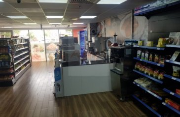 Ready to Move in Good Condition, 1,850 Sq Ft, Retail Space To Rent in The Jewels, Dubai Marina, Dubai - RUNNING SUPERMARKET FOR SALE AND SHOP FOR RENT IN MARINA