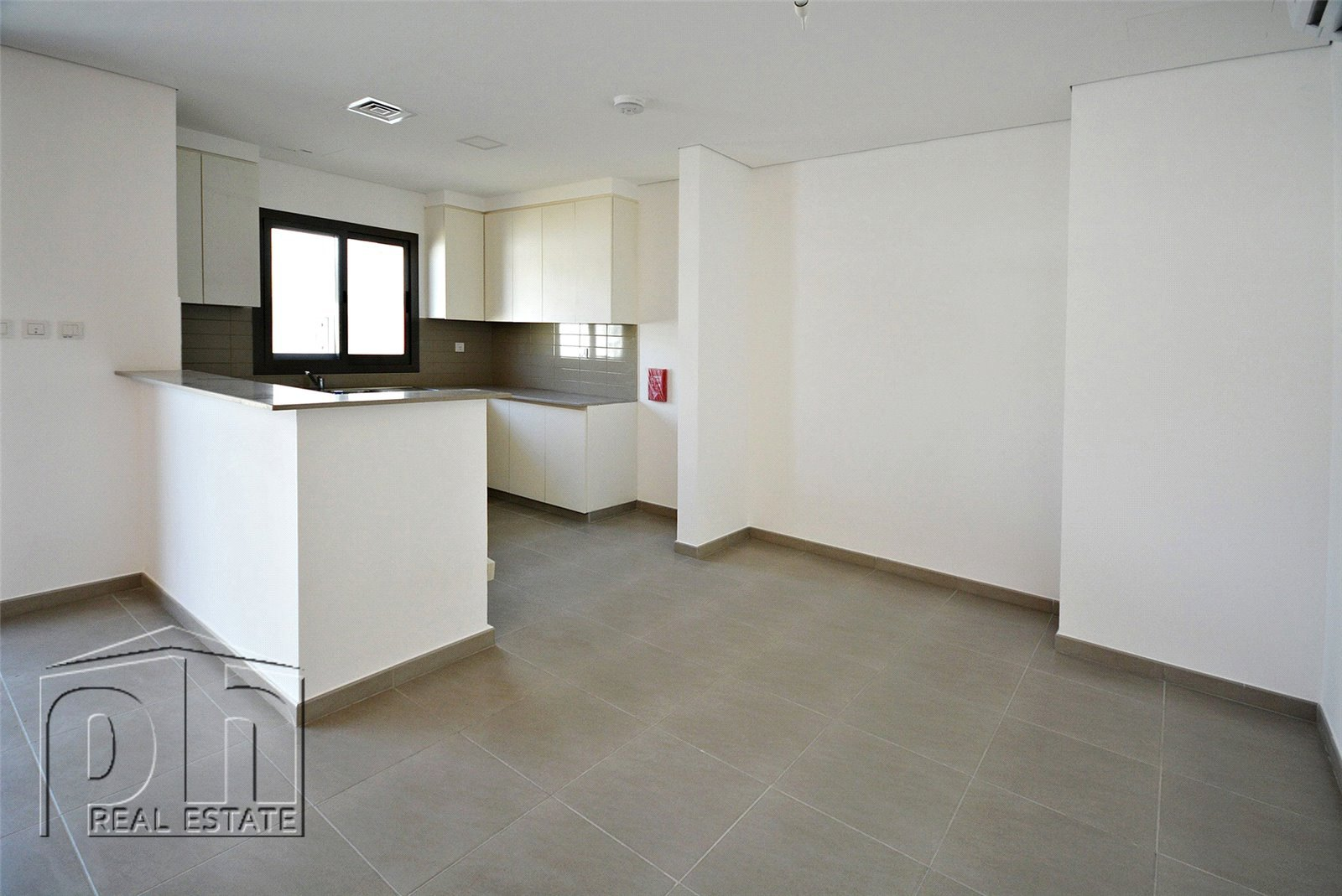 Dbl180764 L Three Bedroom Two Bathroom Villa To Rent In Hayat Townhouses Town Square Dubai