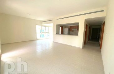 Two Bedroom, Apartment For Sale in Al Dhafrah 3, The Greens, Dubai - Vacant | With Pool View | Great Condition