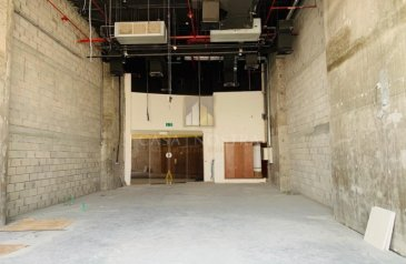 Ready to Move in Good Condition, 1,150 Sq Ft, Shop To Rent in I-Rise Tower, Barsha Heights (TECOM), Dubai - Retail Shop With Terrace Facing on Main Road in Barsha Heights TECOM