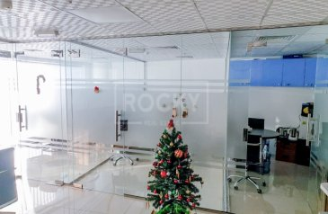 1,065 Sq Ft, Office For Sale in Park Avenue, Dubai Silicon Oasis (DSO), Dubai - Fitted | Glass Partitioned | Office | Good ROI%